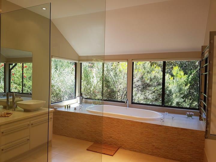 Jarrah Grove Forest Retreat - Luxury Chalets