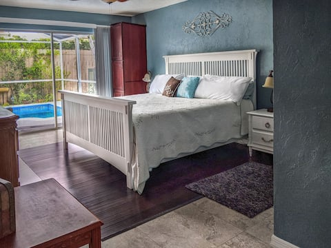 5✯Tranquil ,relax in Jet Tub,LG Suite W/ King bed,