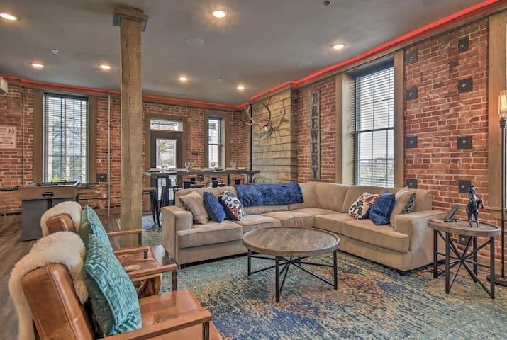 Luxe Loft w/Smart Features in Downtown Hot Springs