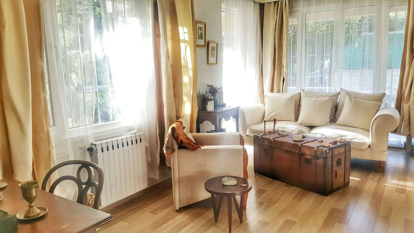 A Big Fully Furnished Flat Near Bagdat Avenue - Kadıköy - Apartmen
