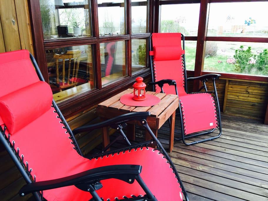 Upper deck sitting area.