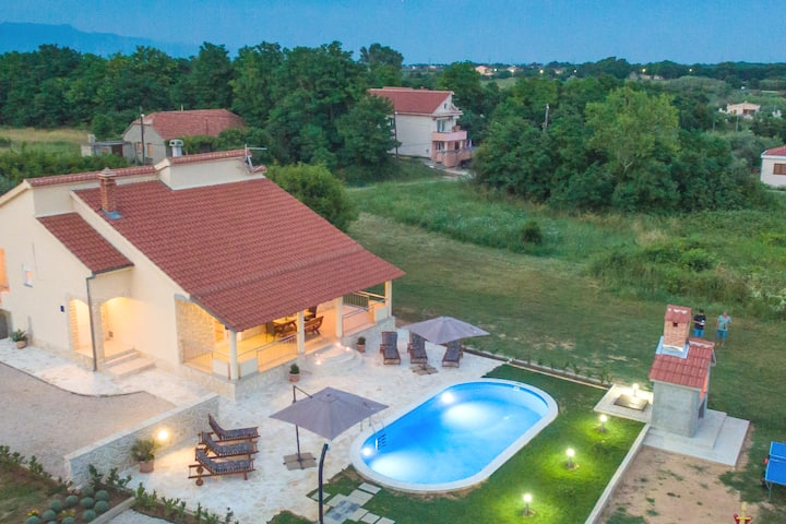 Villa Paola  with heated pool