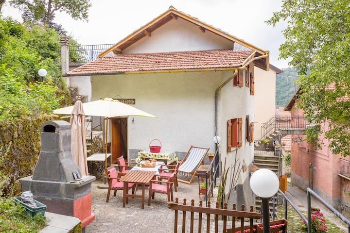 B&B Stradafacendo di Valbrevenna Intera casa - Valbrevenna - ที่พักพร้อมอาหารเช้า