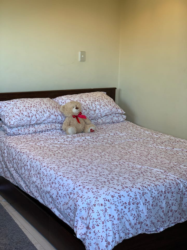 Near Olympic Park,  Comfortable bed for two