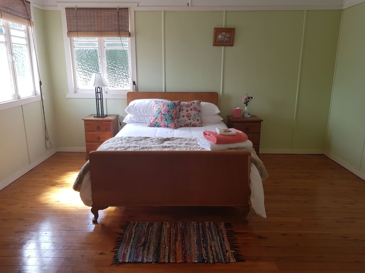 Specious room with a super comfy bed & beautiful crisp clean linens