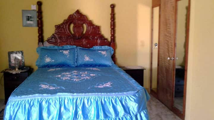 , Montego Bay 1 bedroom with queen size bed