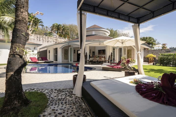 Luxurious, quiet, private Pool-Villa Orchid, 7/7 housekeeper, 24/7 Butler