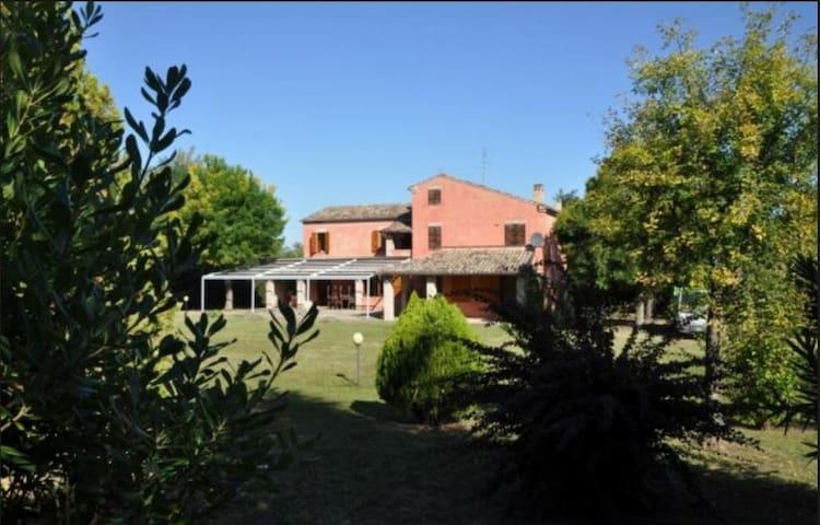 Villa Bifamiliare per 11/15 persone, nel Fermano - Alteta - Villa