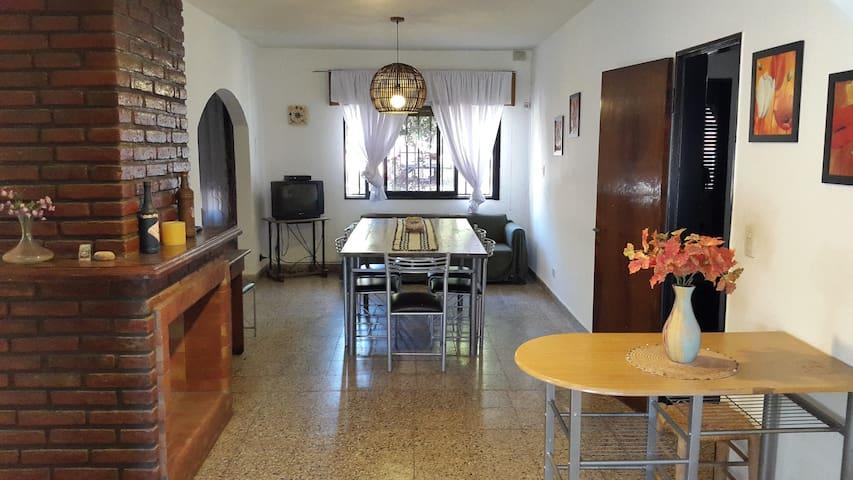 ¡Casa en Villa Carlos Paz para 10 seres humanos!