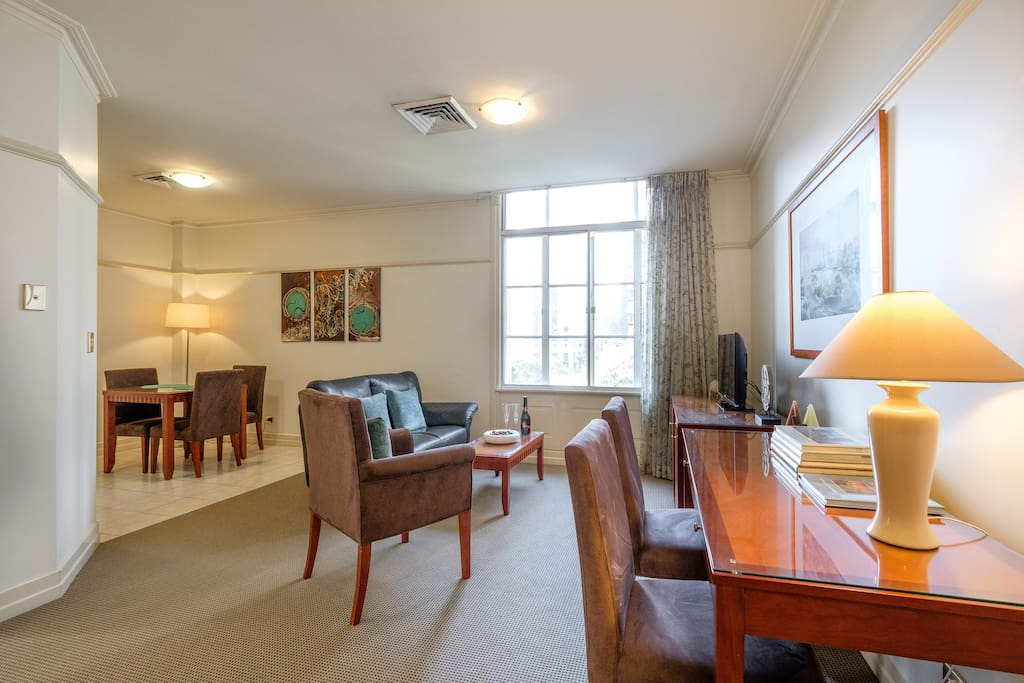 Heart Of The CBD Walking Distance To Everywhere Apartments For Rent In B
