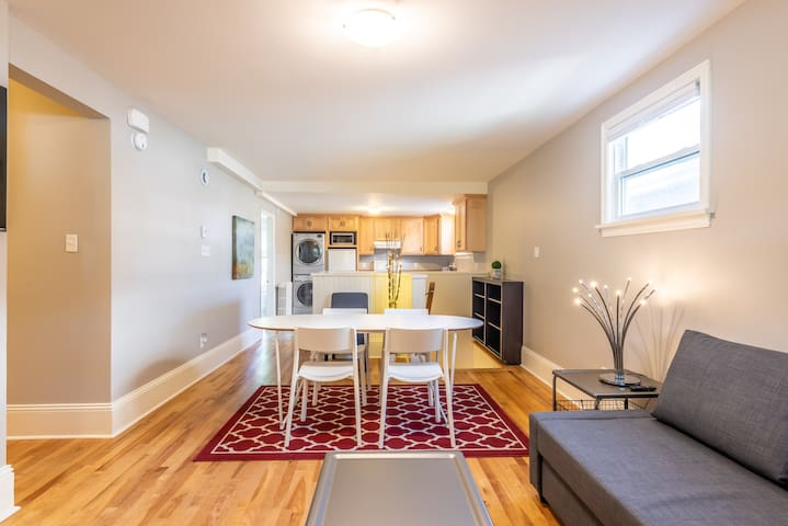 """PEACEFUL AND OPEN """"2BDRM+CENTRAL+BRIGHT+PARKING"""""""