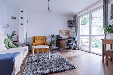 Stylish apartment with big garden+2bikes available