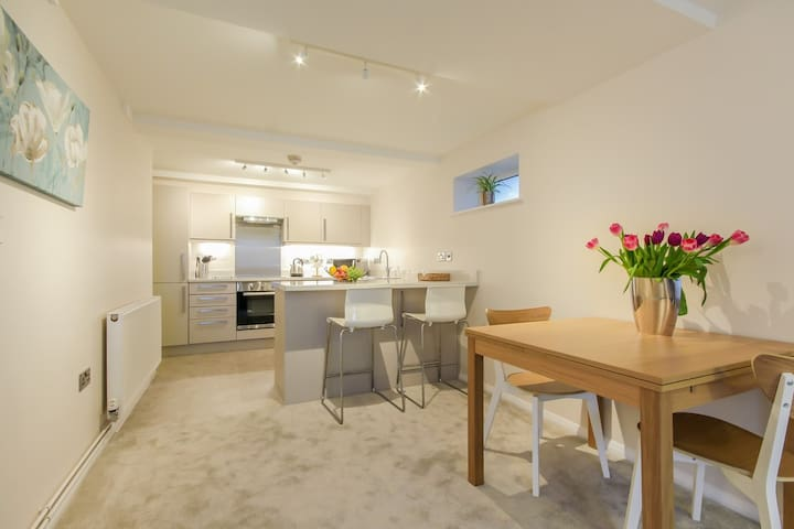 ★Annexe & Parking Nr to Blenheim & Cotswolds ★