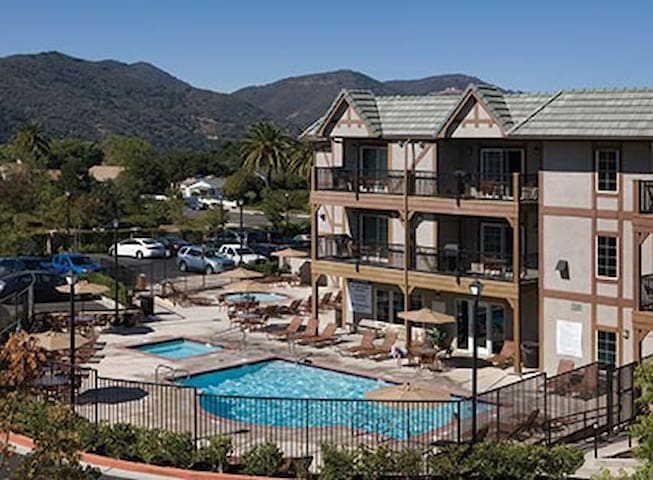 Resort Get Away - Golf, Wine, Danish Pastries - Solvang - Leilighet