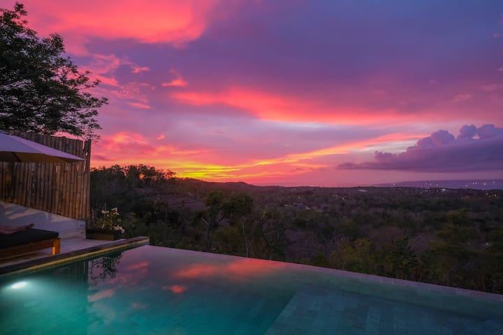 MINIMALISTIC Sunset/Infinity pool view - ULUWATU