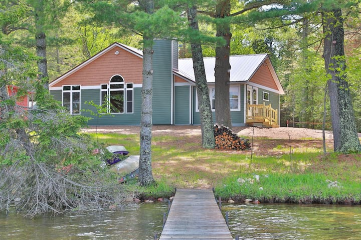 CrossRoads - Hiller Vacation Homes - A great home for any season! Free WIFI