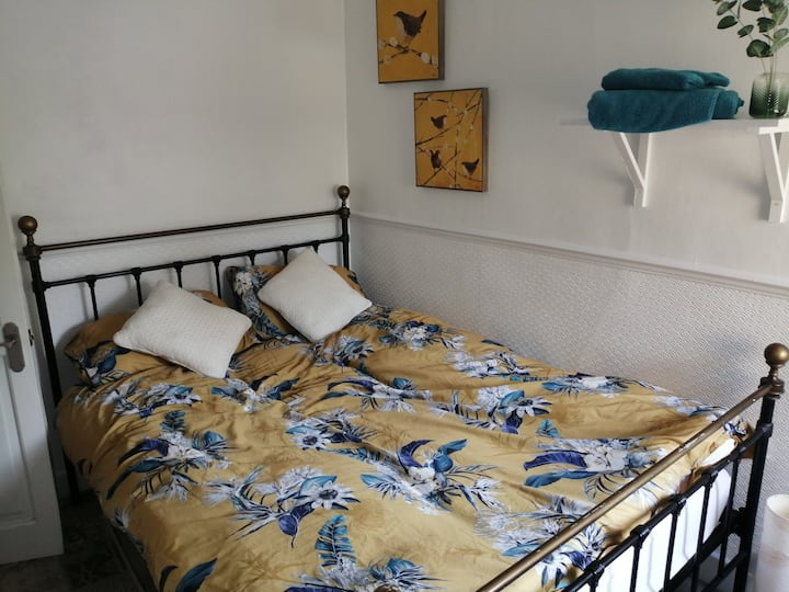 Lovely Small Double Room Home Away from Home