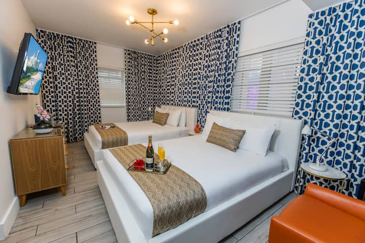 Miami Beach Mid-Beach Room with Two Queen Beds, Steps from the Ocean, Pool, Restaurant, Free WiFi