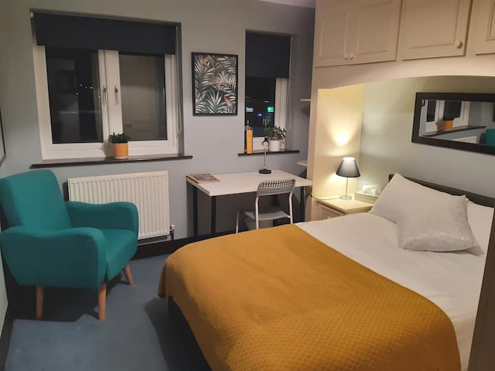 Room at The Moorings Leamington Spa
