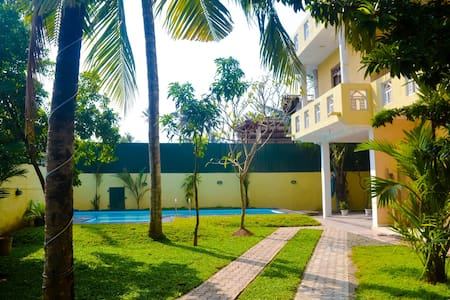 """Sholay Homely Villa""- Galle"