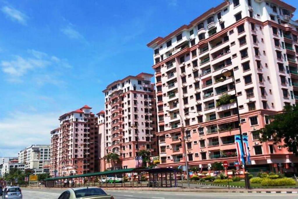 Marina Court Resort at City Centre