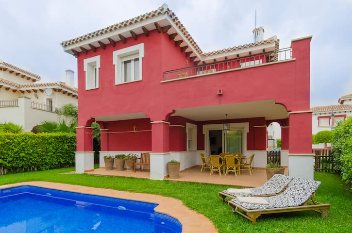 -NEW-Fantastic Villa with private pool @ GolfClub