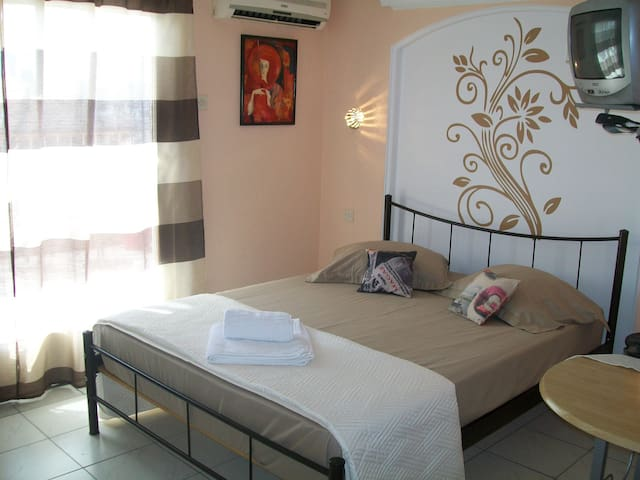 Acropolis view app.Hilton area,Wifi - Kesariani