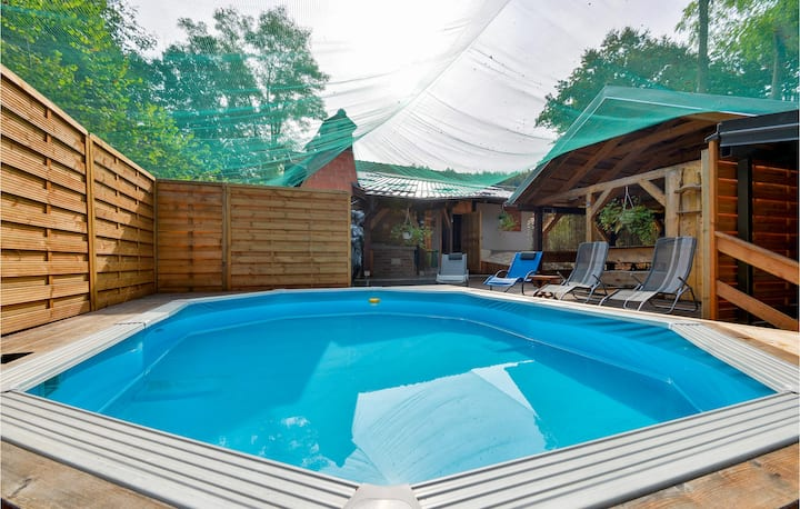 Nice home in Krizanec with Outdoor swimming pool, Sauna and 3 Bedrooms