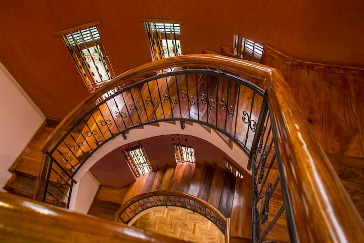 Beautiful, safe &well lite staircase