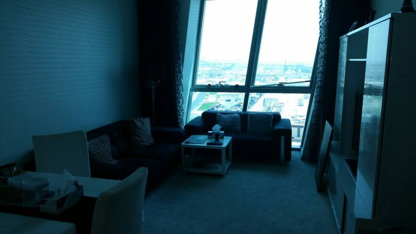 Excellent location in Doha (Zigzag Tower) - Doha - Apartmen