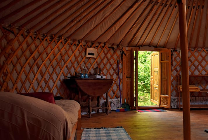 All comfort yurt in ecological reserve - Pardieiros - Jurtta