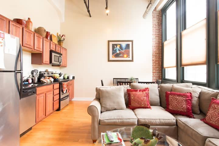 Loft Condo in a Historical Bldg