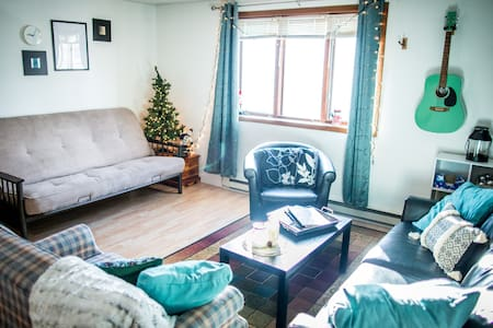 (NEWLY UPDATED & REMODELED) Cozy Downtown Apt