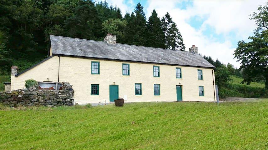 Ffermdy Llanwrtyd - Llanwrtyd Wells - Rumah