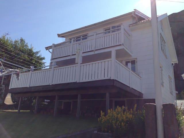 Mycket fint  hus i Bovallstrand - Sotenäs N