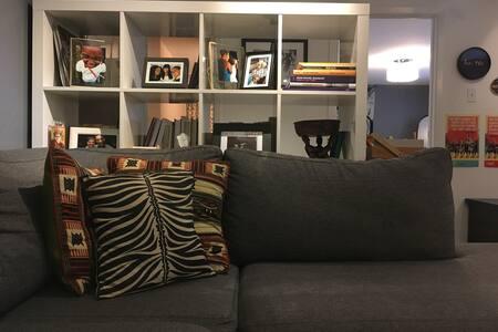 Comfy Corso Italia Artist's Apartment - 多倫多
