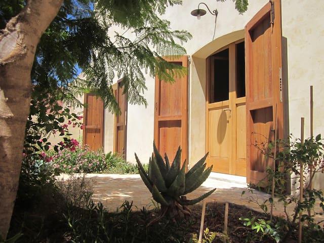 Zur Mühle, die Suite 'Dammuso' - มาร์ซาลา - บ้าน