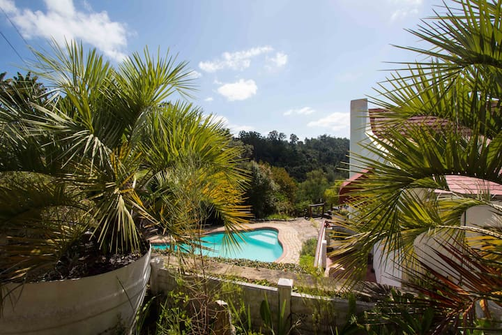 MASESCHA COUNTRY ESTATE-SUNBIRD COTTAGE - Greater Plettenberg Bay - Bungalow
