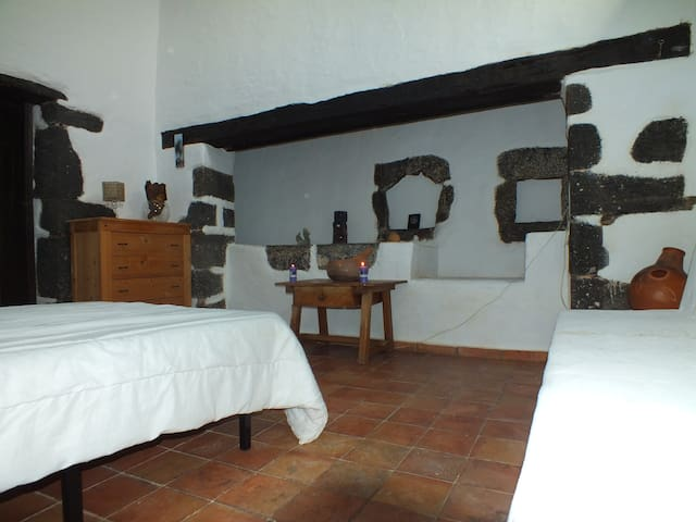 Beautiful historic house with its own charm. - Teguise - Dom