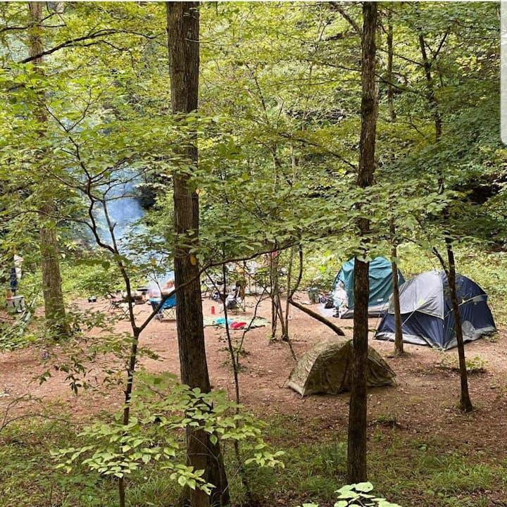 """Parksland Retreat """"Creekbend - P2"""" Campsite"""
