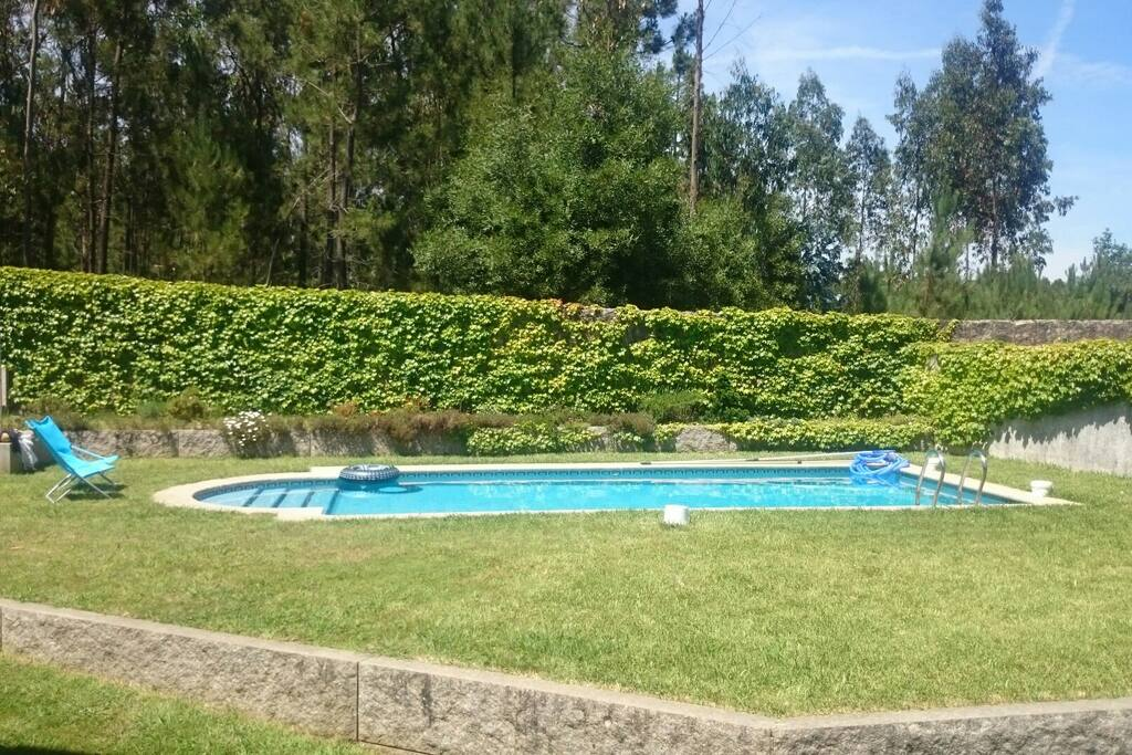 Chalet con piscina en salceda casas en alquiler en for Casas con piscina en galicia