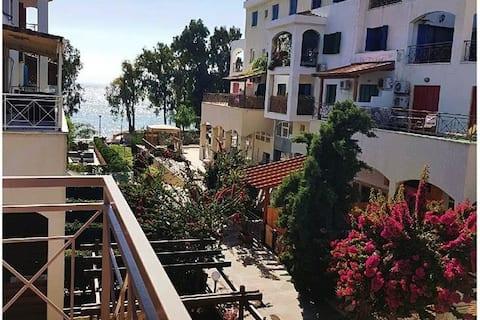 Cosy Studio Apartment with sea view