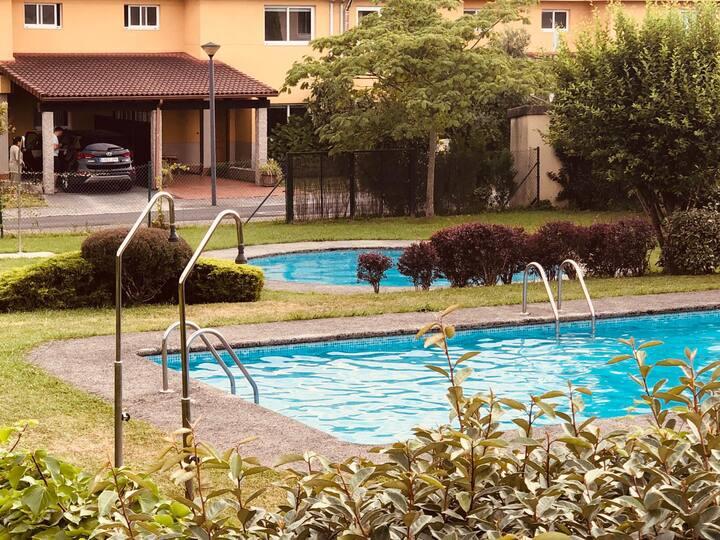 Duplex con piscina cerca playa urbanizacion Ares
