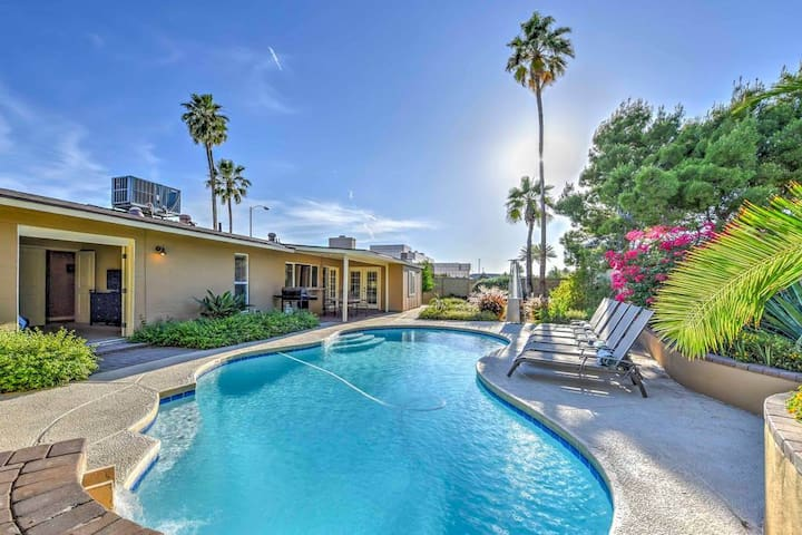 Scottsdale 5 BDRM Home-Pool with Waterfalls & Custom Cabana ❤️ Best Location and Great Amenities.