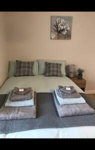 The Lodge TF2 7AW  Room 3