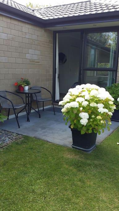 Private Garden off room 1