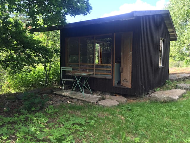 Tiny cabin - historic home by the fjord, Nesodden - Nesodden - Kabin
