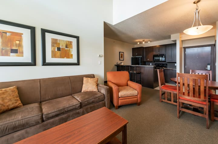 Penthouse King Suite @ Silver Rock Condos