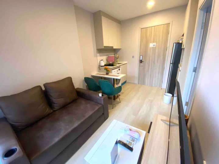 1613 Studio Condo in Sathorn, Free WiFi&Utilities