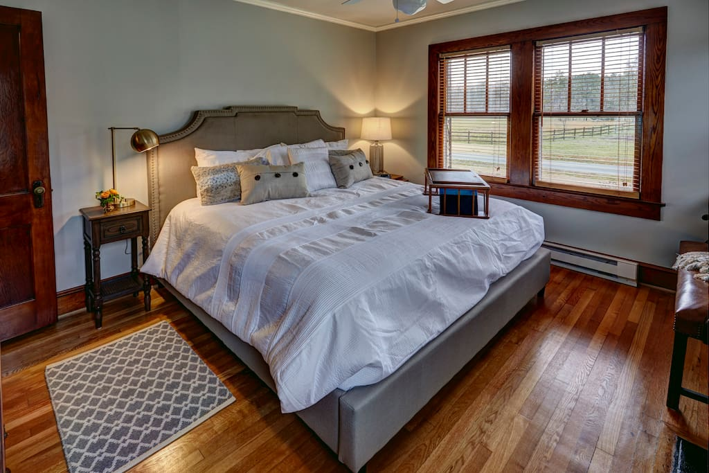 Enjoy a super comfortable king bed with cloud-white linens